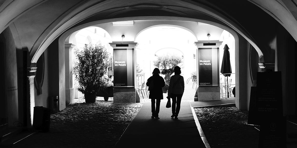 Schwarz Weiß Foto, SW-Foto, Fotoworkshop, Menschen, Neue Galerie