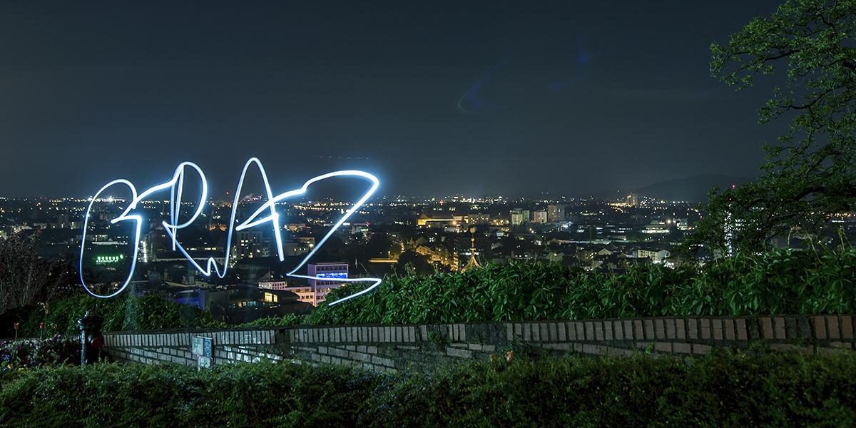 Graz, Nachtaufnahme, Lichtschrift, Langzeitbelichtung, blaue Stunde
