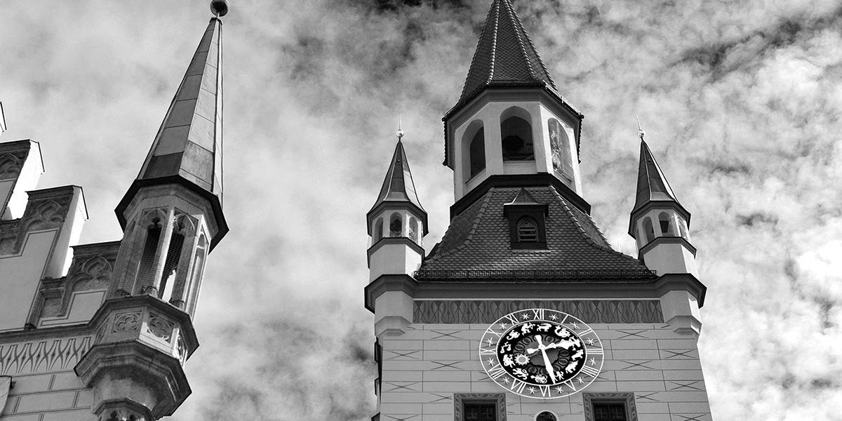 Schwarz Weiß Foto, SW-Foto, Fotoworkshop, München, Rathaus, Turmuhr