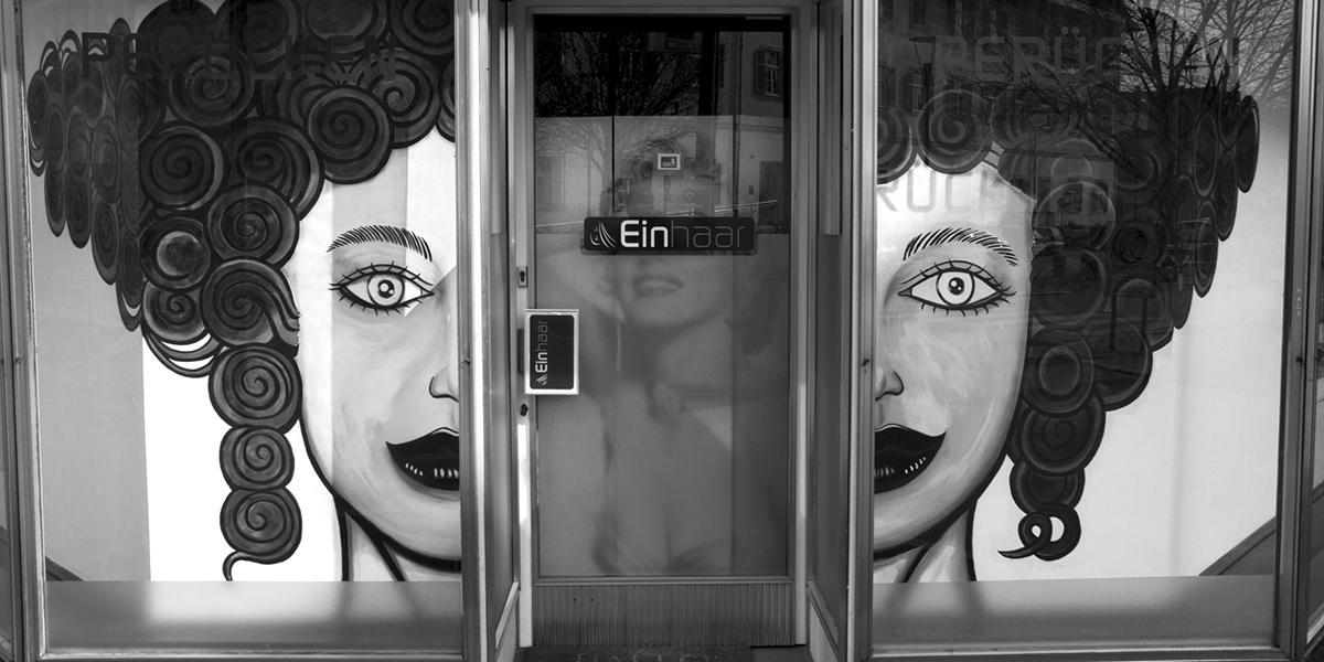 Schwarz Weiß Foto, SW-Foto, Fotoworkshop, Auslage, Kopf, Geschäft